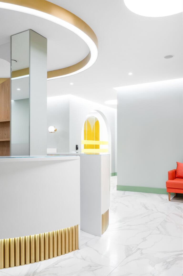Ресепшен клиники на Неглинной - Разработка дизайна интерьера на заказ