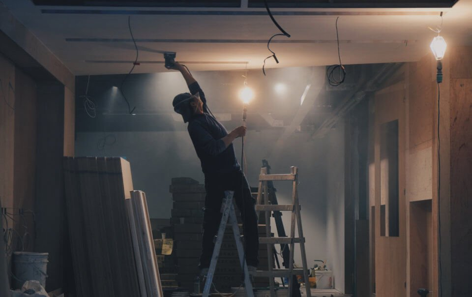 Как правильно выбирать строителей для ремонта